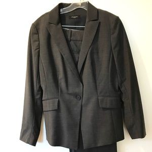 ANN TAYLOR Gray Wool/Lycra/Spandex Jacket/Pants 12